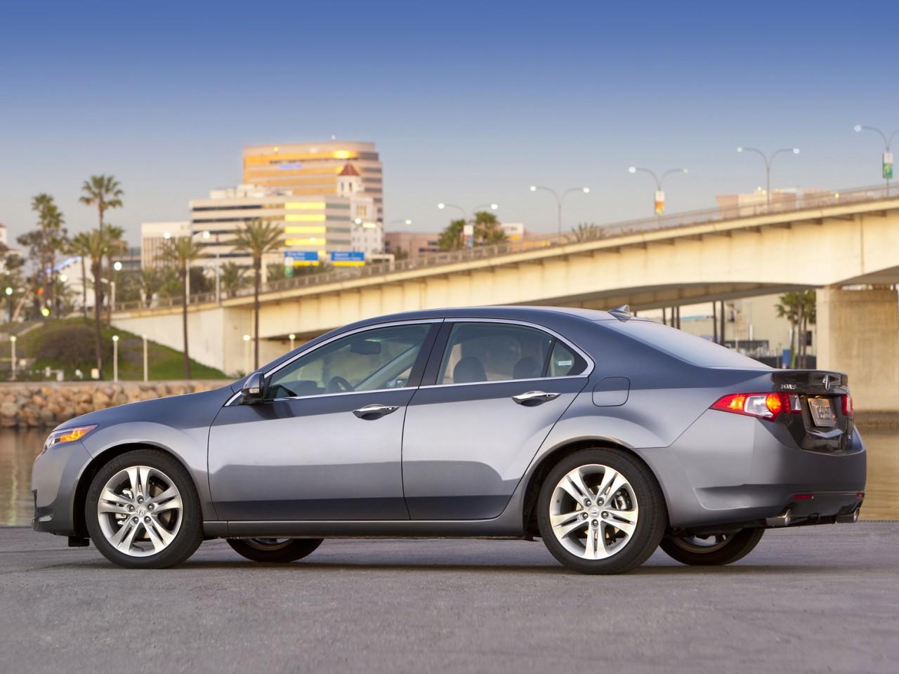 2010 Acura TSX V6 | Motor Desktop