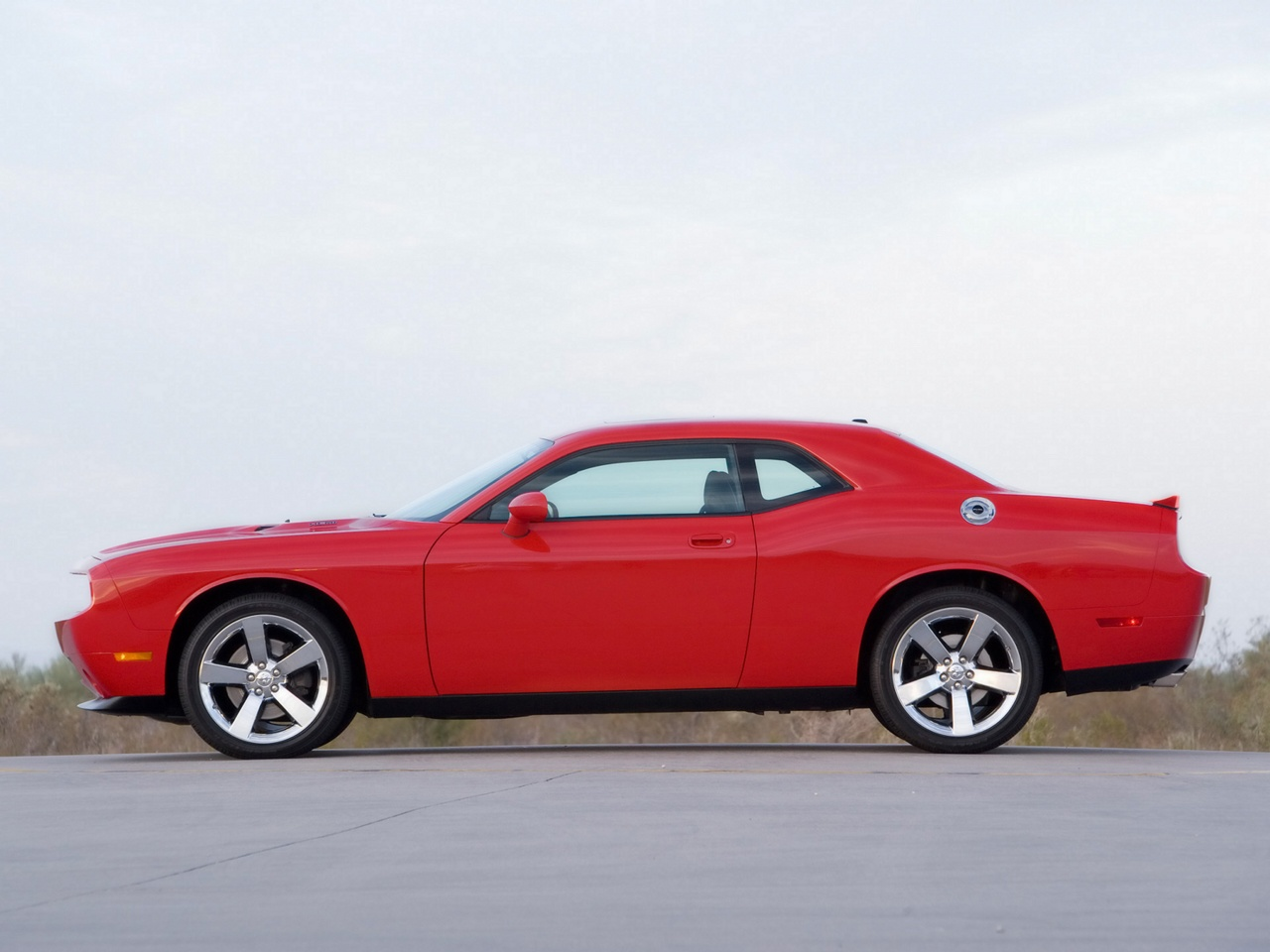 2009 dodge challenger rt motor desktop. Cars Review. Best American Auto & Cars Review