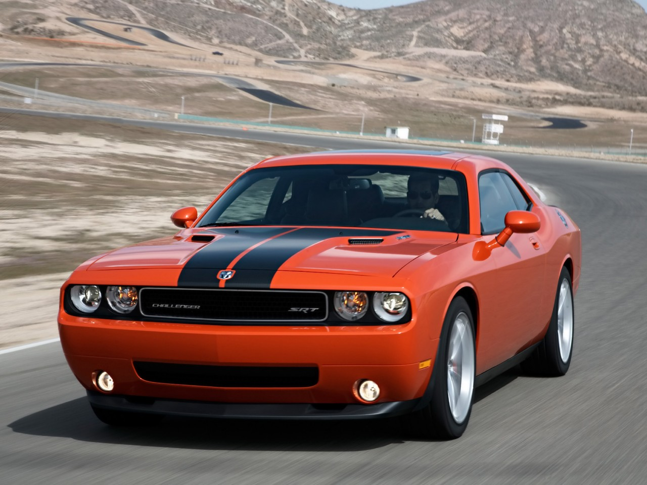 2010 dodge challenger srt8 motor desktop. Black Bedroom Furniture Sets. Home Design Ideas