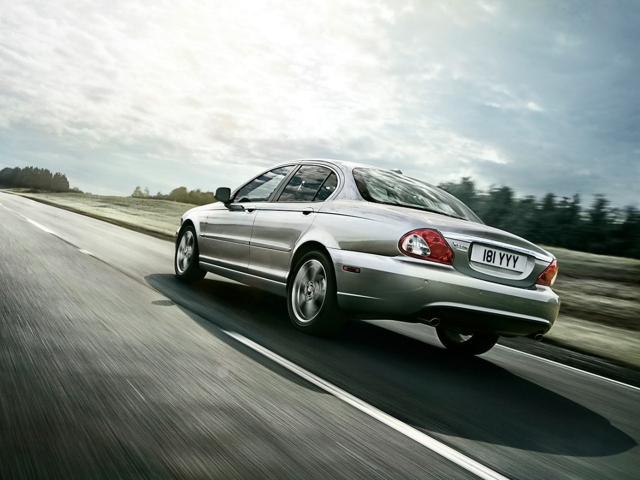 2008 Jaguar X-Type | Motor Desktop