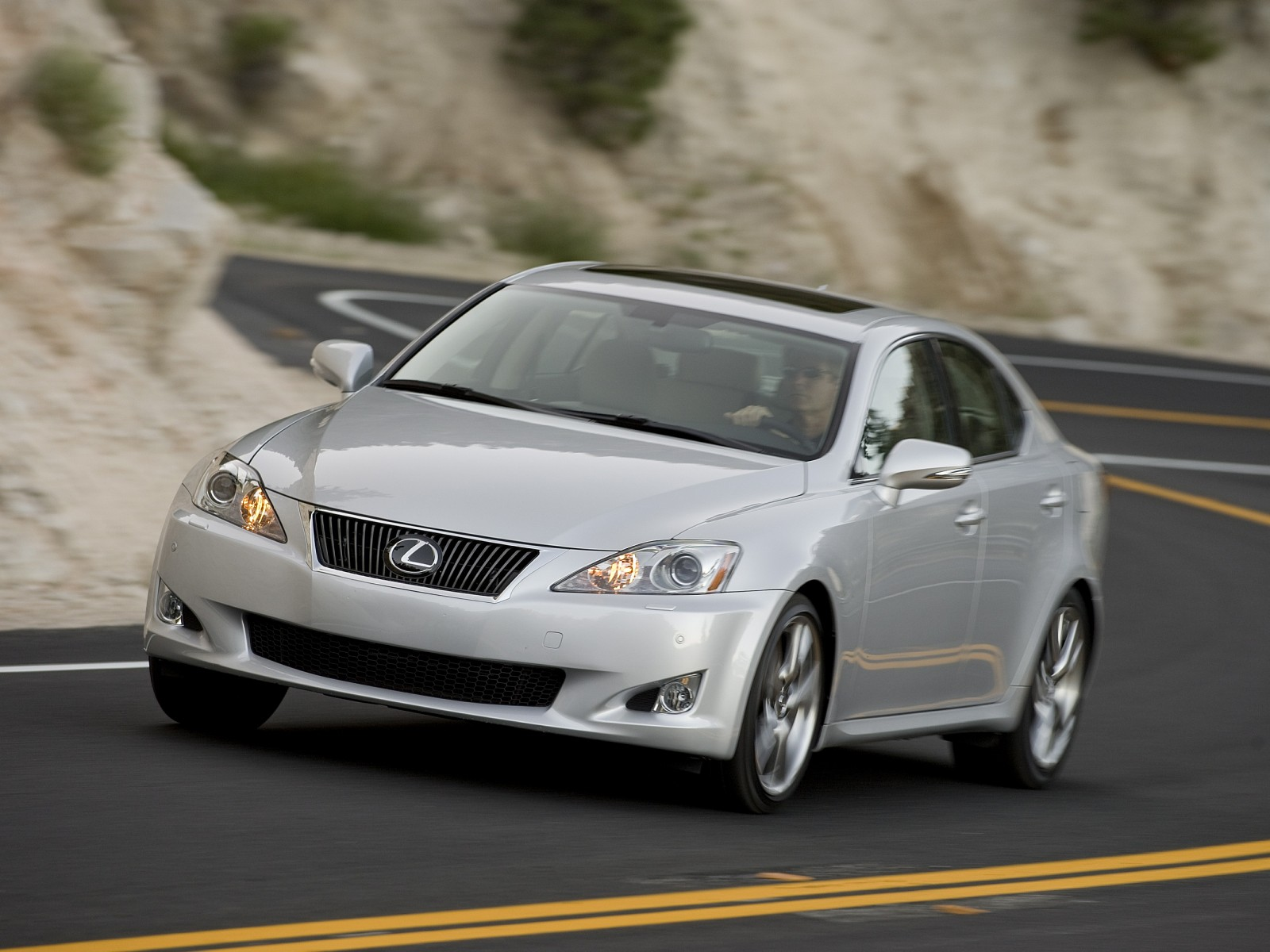http://www.motordesktop.com/pictures/lexus/2009-lexus-is-350/2009-Lexus-IS-350-05-1600x1200.jpg
