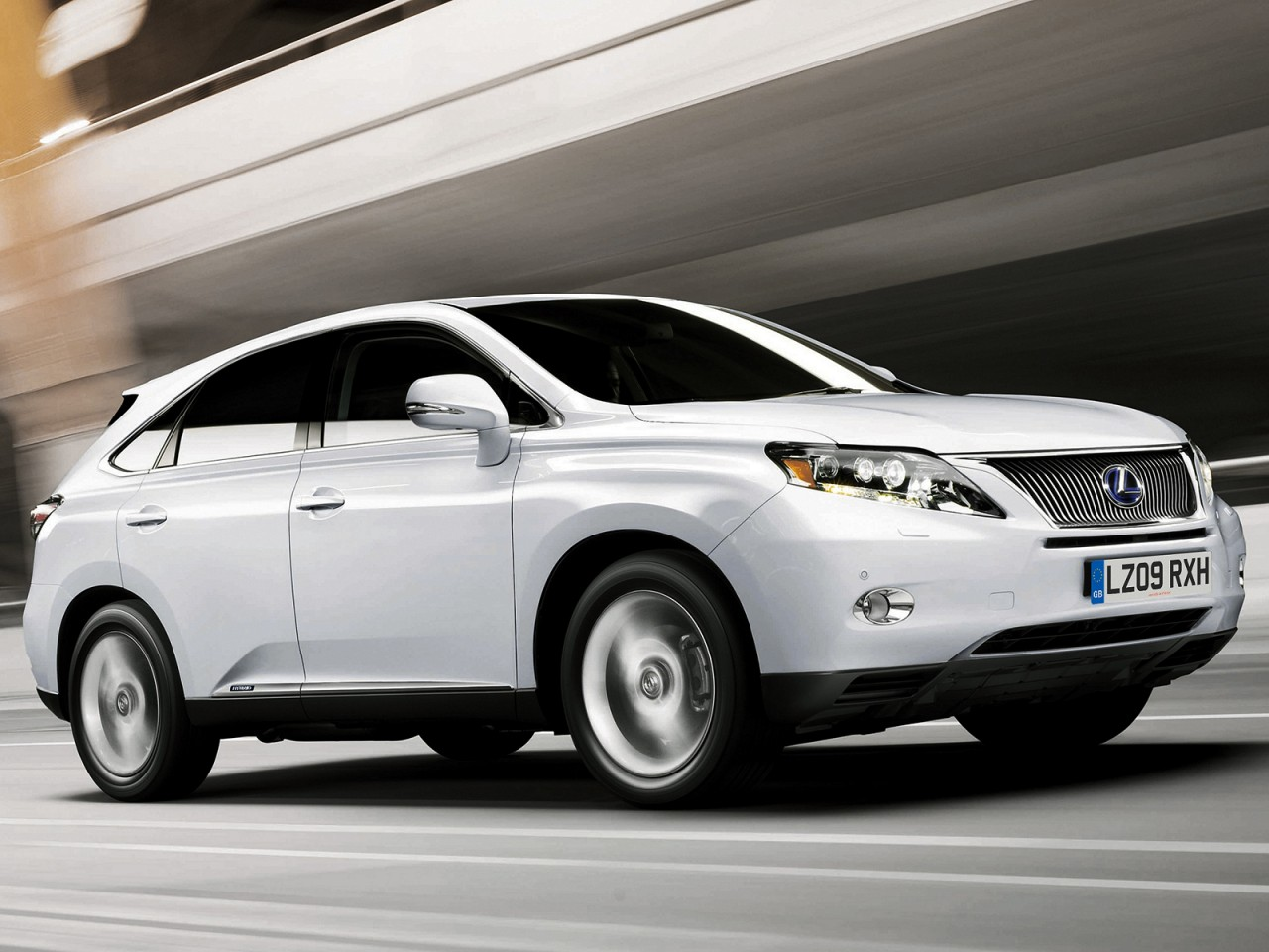 2010 Lexus Rx 450h on 450 hp electric motor