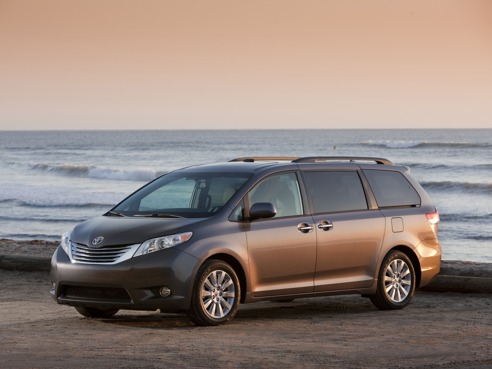 toyota sienna youtube watch le